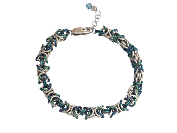Chain maille bracelet in silver and green blue niobium