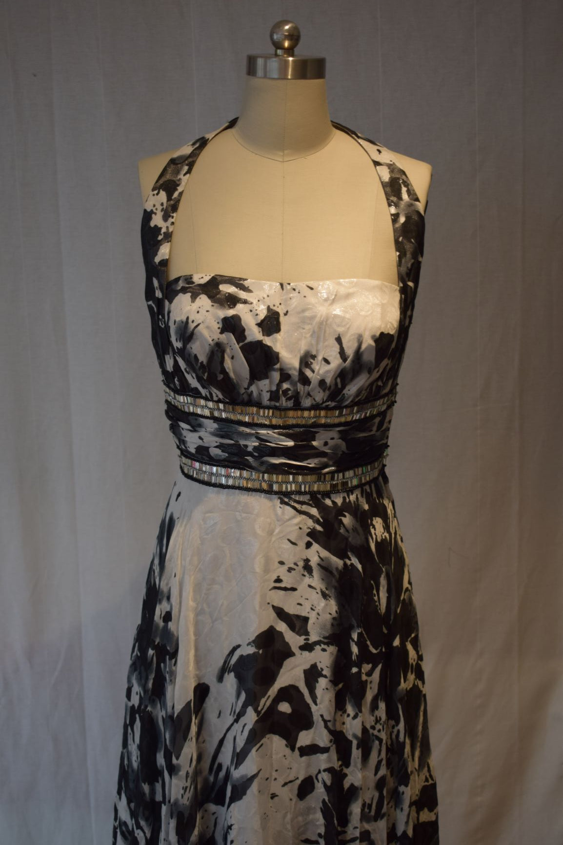 Grey and White Design Long Evening Dress Size 12/14