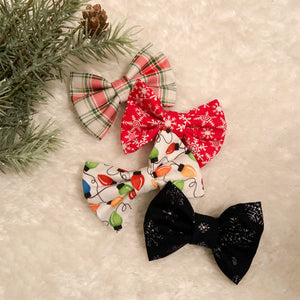 Festive Pinched Bows
