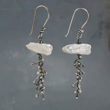 Moon pebble earrings with stick pearl