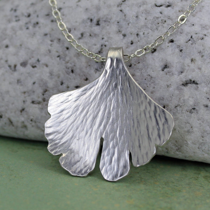 Botanical leaf pendant