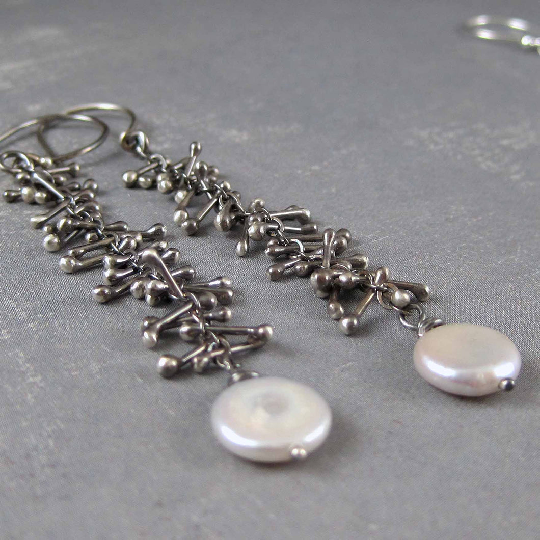 Moon pebble black silver pearl earrings