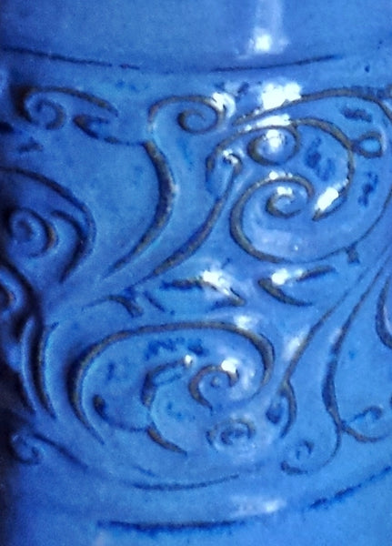 Stoneware Floral Pattern Embossed Table Lamp in Shades of Blue - Cat Fly Designs