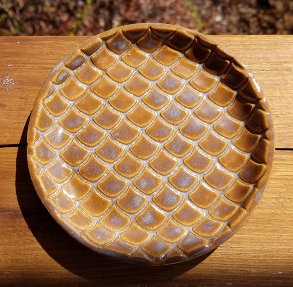 Round Pottery Scalloped Pattern Coaster in Earth Tones