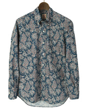 Load image into Gallery viewer, Blue paisley cotton shirt