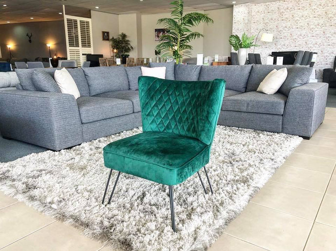 Green Accent Chair with Quilted Velvet Finish and Black Hairpin Legs