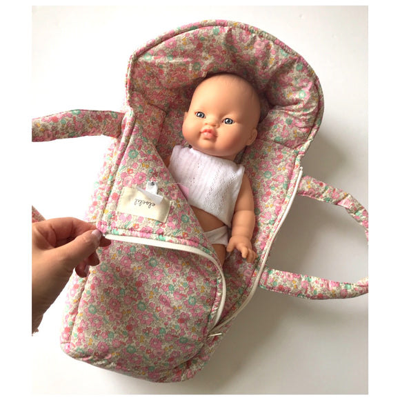 Doll carry cot