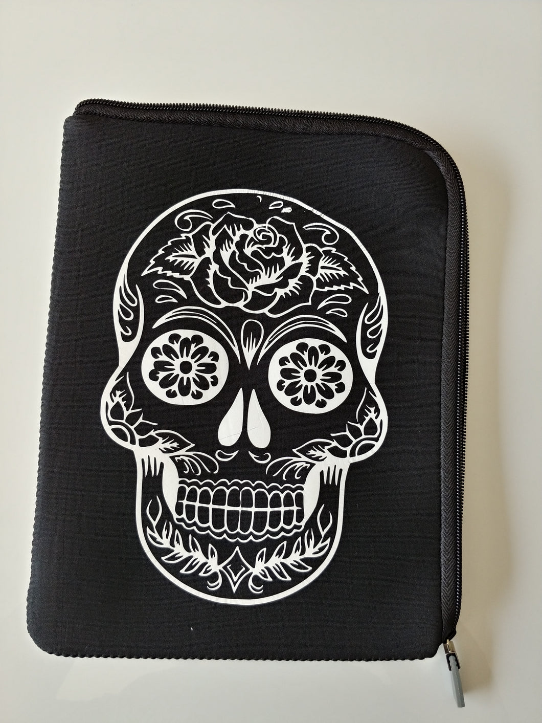 Tablet sleeve - Candy Skull art