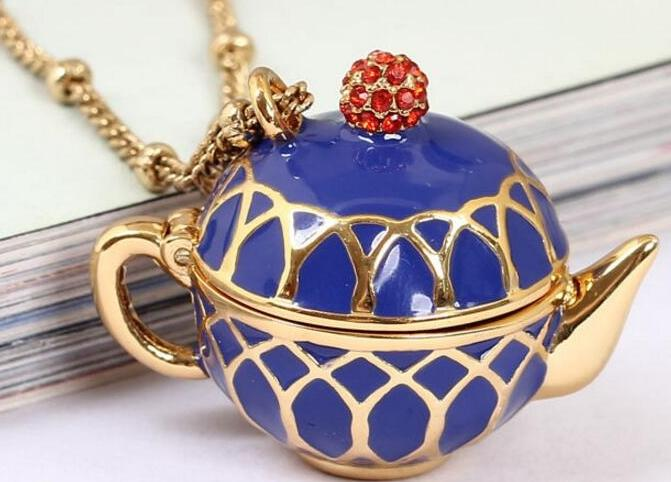 14k gold-plated Tea Necklace