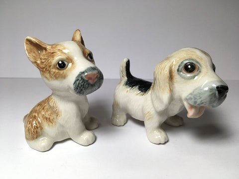 Handicraft Miniature Collectible Porcelain Beagle salt & pepper shakers S&P