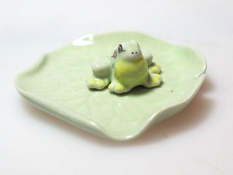Porcelain Miniatures Collectible Ceramic Green Frog on Lotus Leaf FIGURINE