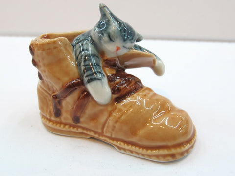 Handmade Dollhouse Miniatures Ceramic Porcelain Gray Cat in Shoe FIGURINE