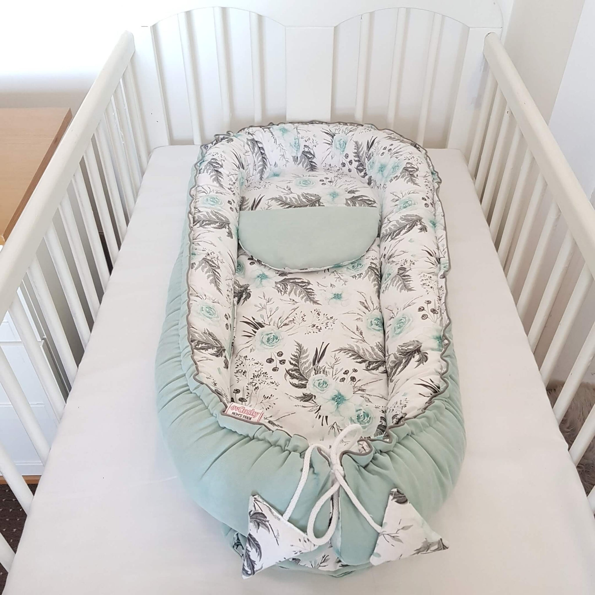 baby sleep pod XL for toddlers with insert mattress from evcushy