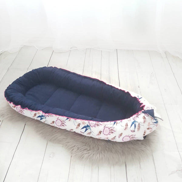 PORTABLE BED LIKE SLEEPYHEAD TWO SIDED COMFORTABLE AND SAFE SPACE TO REST EVCUSHY
