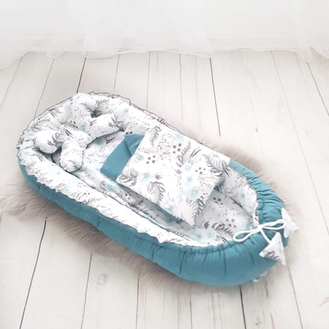 LUXURIOUS BABY POD WITH ROSES