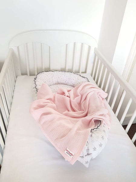 baby bundle pod and blanket in pink from evCushy