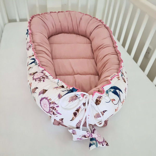 BABY SLEEPING POD NEST - DELUXE - Dreams Cather / Pink