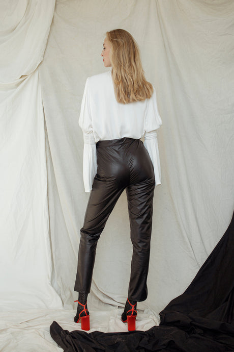 BASIC FAUX LEATHER PANTS