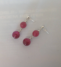 Load image into Gallery viewer, Fuschia Agate Picket and Ball Necklace and Earring Set