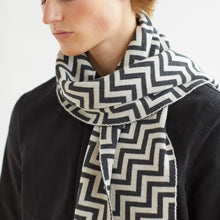 STEP SCARF - CHARCOAL