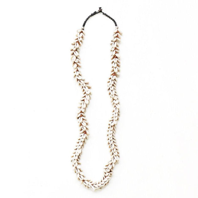 Lei Cowrie Shell Hanging