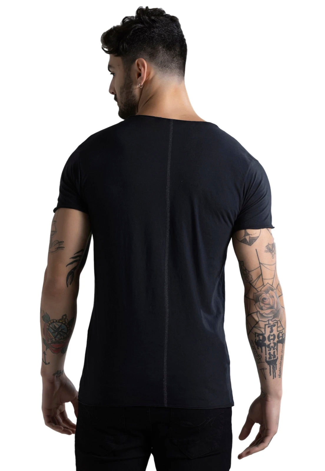 CAMISETA MASCULINA CORTE A FIO JOSS - BAD INFLUENCE