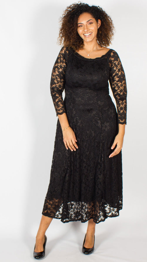 Kaikoura Off Shoulder Lace Maxi Dress