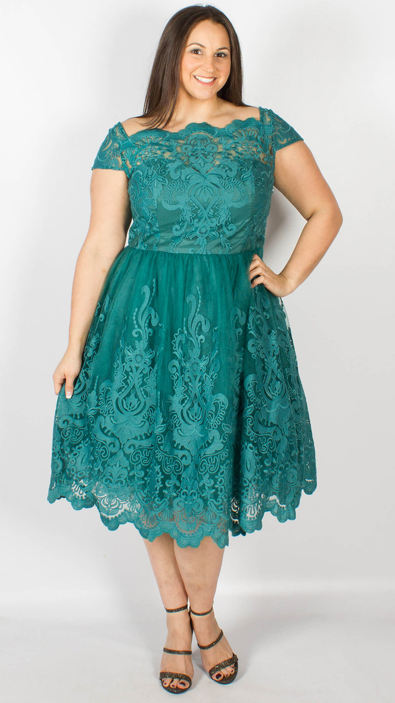 Chi Chi Curve Laurel Dress