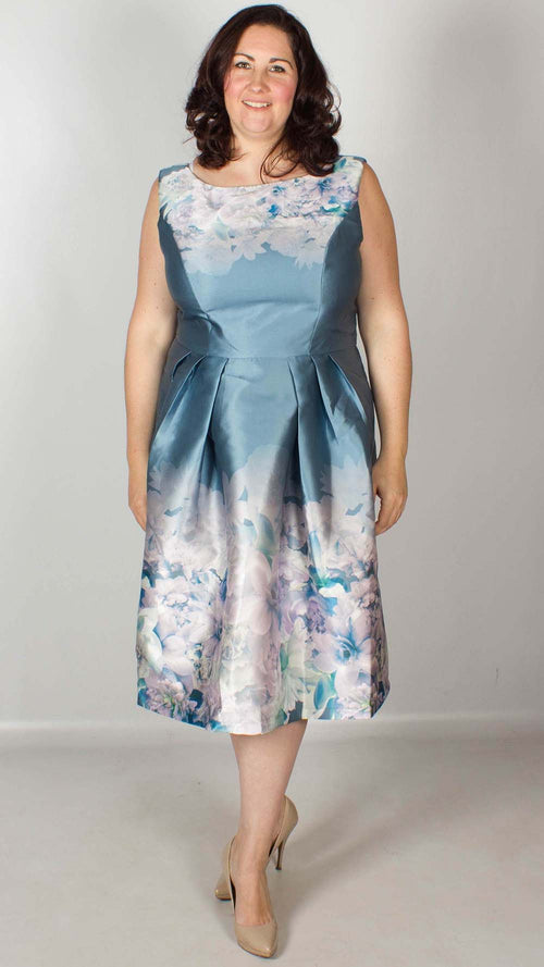 714e268478437 Plus Size Dresses - Sizes 16