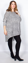 CurveWow Batwing Long Hem Dip Top White Leopard Print