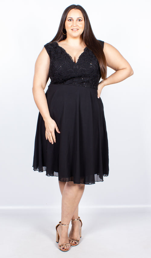 Chi Chi Curve Kaviara Dress