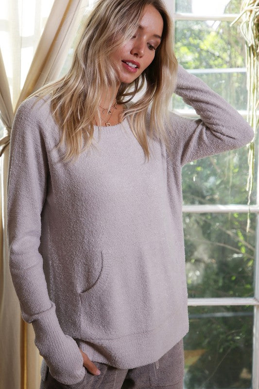 SUPER SOFT POCKET SWEATER