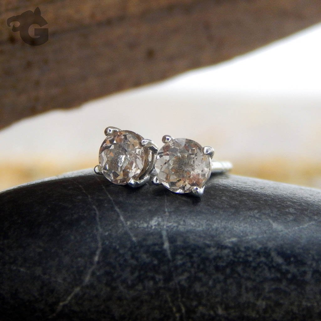 Morganite earring studs 4mm