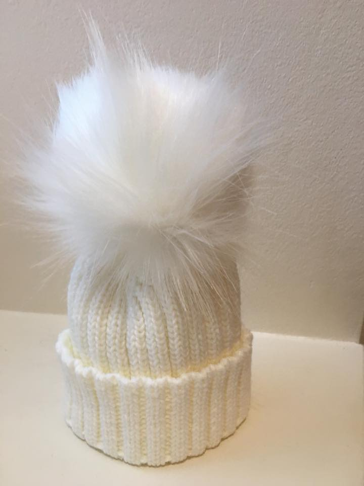 Single Pom Hat - Ivory