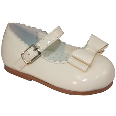 Girls Patent 'Mary Jane Style' Shoes with Bow. Edging Detail around Shoe Front