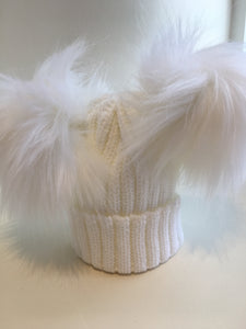 Double Pom / Pom Pom Hat - White
