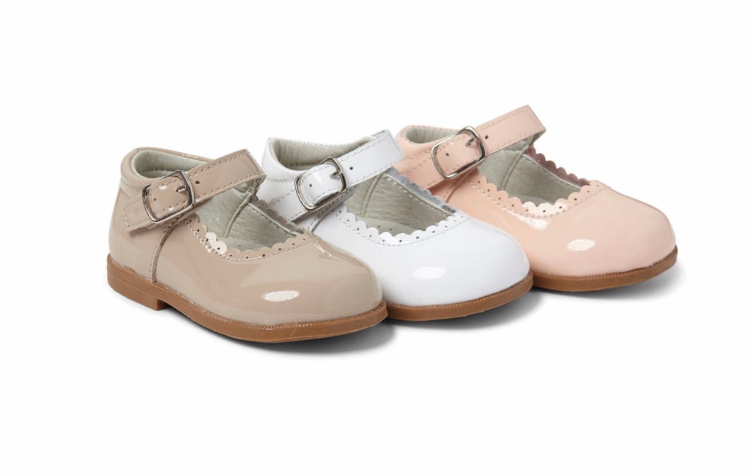 Girls Mary Jane Style Leather Shoeswith Edging Detail