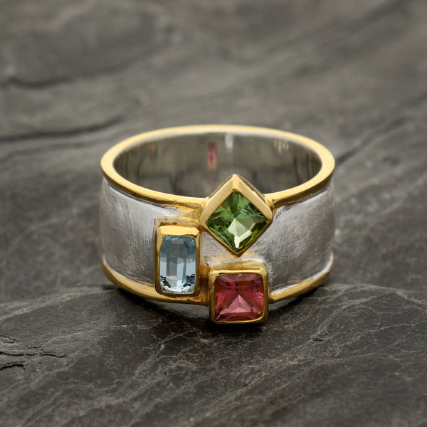 Geometric Three Stone Ring