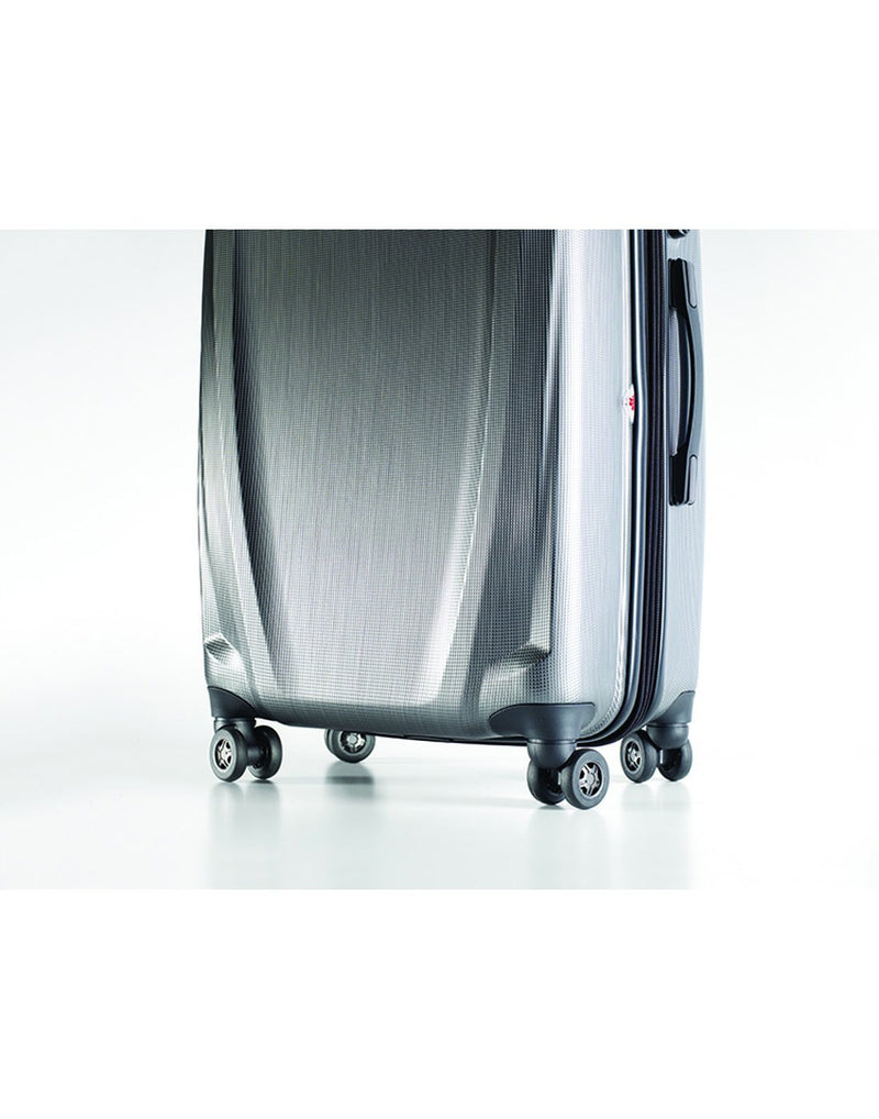 "Pursuit dlx 30.5"" silver colour expandable spinner luggage bag bottom wheels"