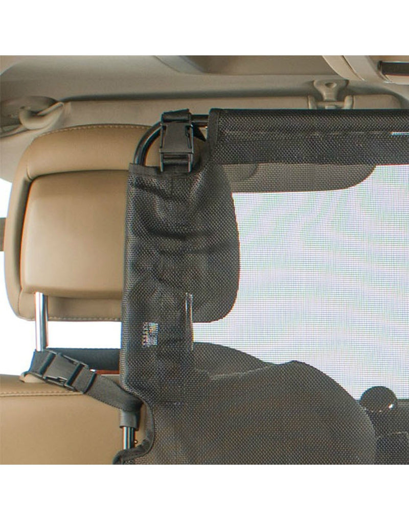 High road wag'nride dog barrier black colour strap attachement close-up view