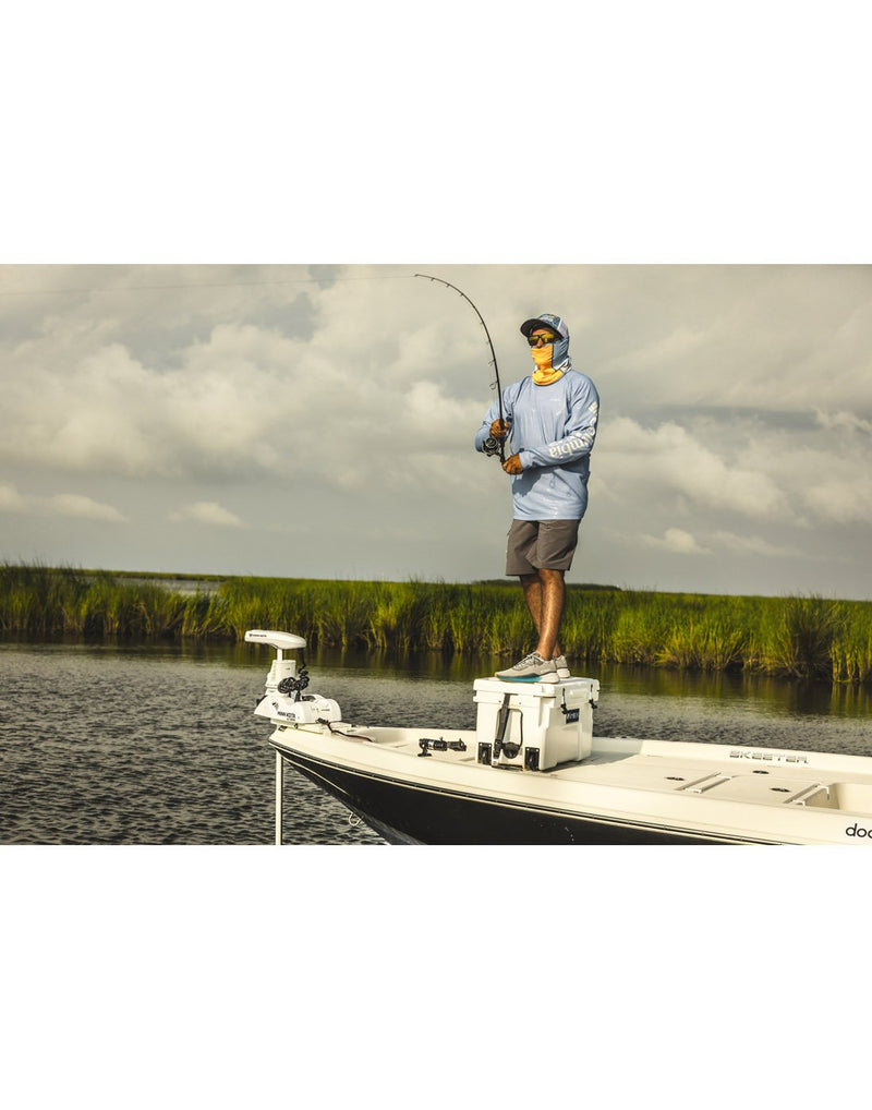 Men wearing columbia men's pfg terminal tackle™ short grey colour front view