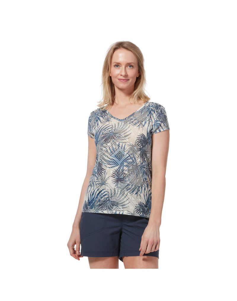 Model wearing Royal Robbins Women's Featherweight Tee - creme print, front view