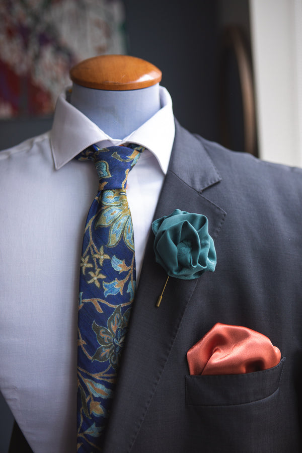 Lilly | Jacquard | Boutonniere