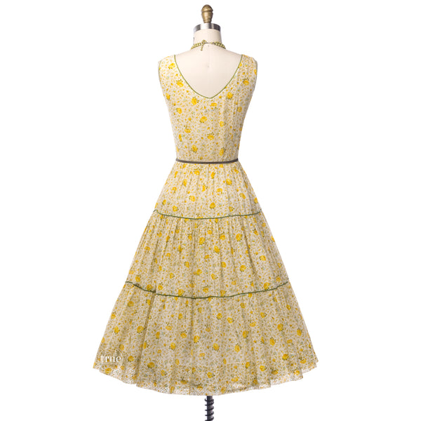 vintage 1940's dress ...beautiful Bobbie Brooks petite fleur gauzy floaty dress with coordinating crinoline