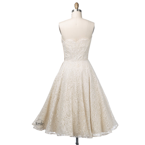 vintage 1950's dress ...designer Frank Starr Original scalloped lace eyelash trim full skirt dress