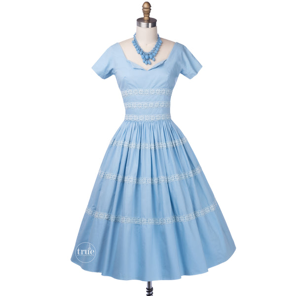 vintage 1950's dress ...pretty blue cotton Gigi Young New York full skirt dress