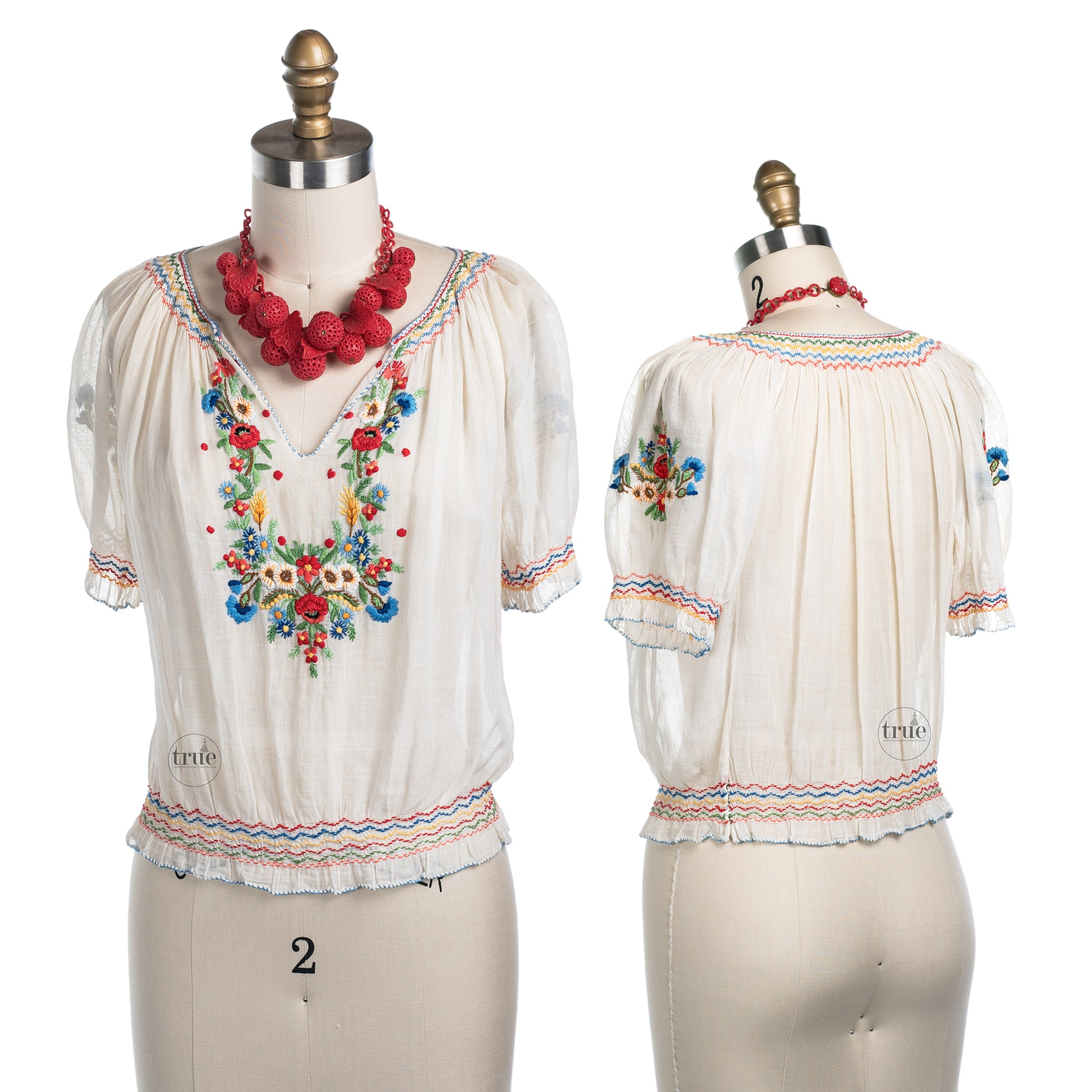 vintage 1940's HUNGARIAN embroidered peasant top