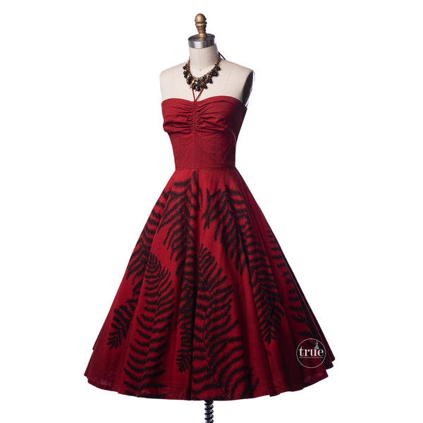 vintage 1950's dress ...2die4 Maya de Mexico red hand-painted circle skirt halter dress