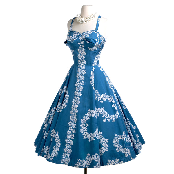 vintage 1950's hawaiian dress