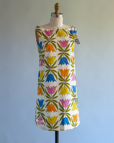 vintage 1960's dress ...cutest EVER Stevens Fuller Fabrics tulip MOD tunic sheath mini dress